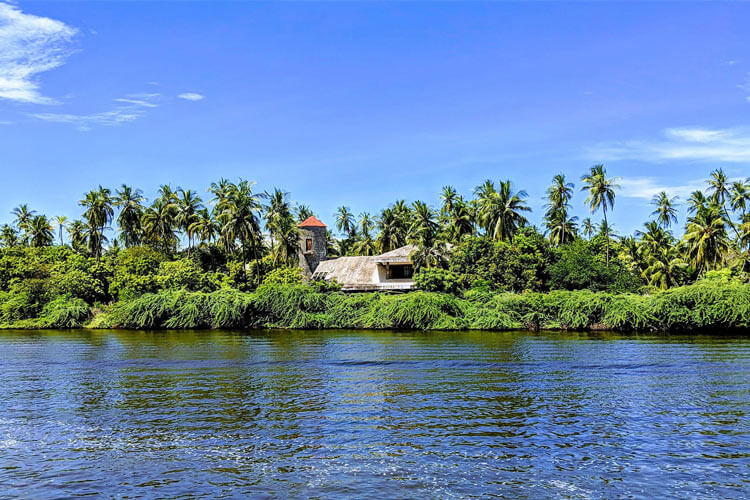 Backwaters of Chunnambar with 1 Day Chennai to Mahabalipuram & Pondicherry Trip by Car