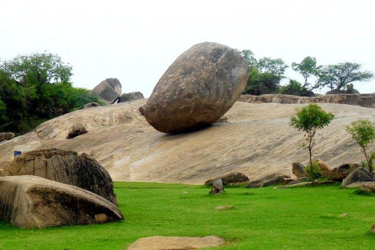 Krishna's Butter Ball with 1 Day Chennai to Mahabalipuram & Pondicherry Trip by Cab