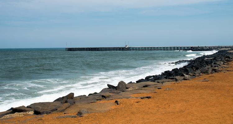 1 Day Chennai to Pondicherry Tour by Cab Promenade Beach