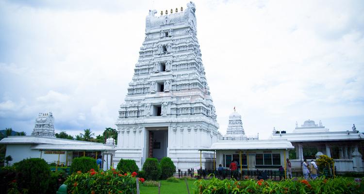 1 Day Guwahati Local Sightseeing Tour by Cab Tirupati Balaji Temple