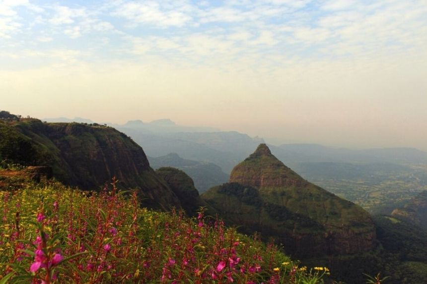 1 Day Lonavala Sightseeing Tour by Taxi Lions Point