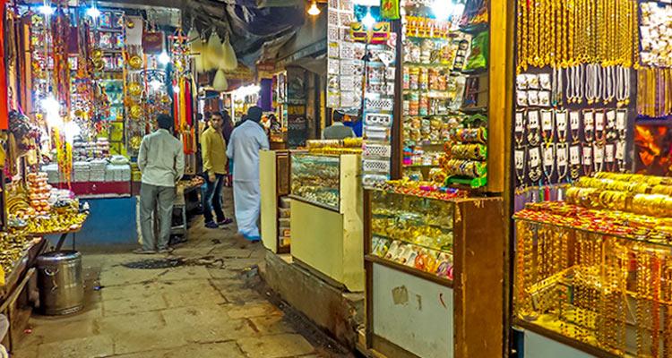 1 Day Varanasi Local Sightseeing Tour by Cab Vishwanath Gali