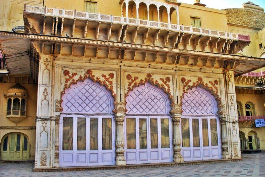 Visit Vinay Vilas Mahal / Alwar City Palace with Same Day Alwar Trip from Delhi