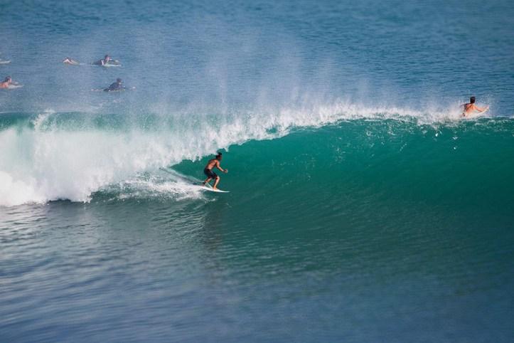 Uluwatu surfing, Bali