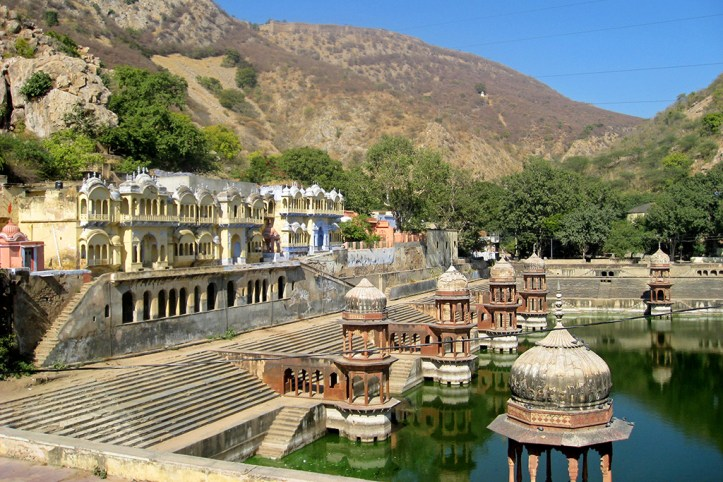 Alwar palace Tank and Old Temples
