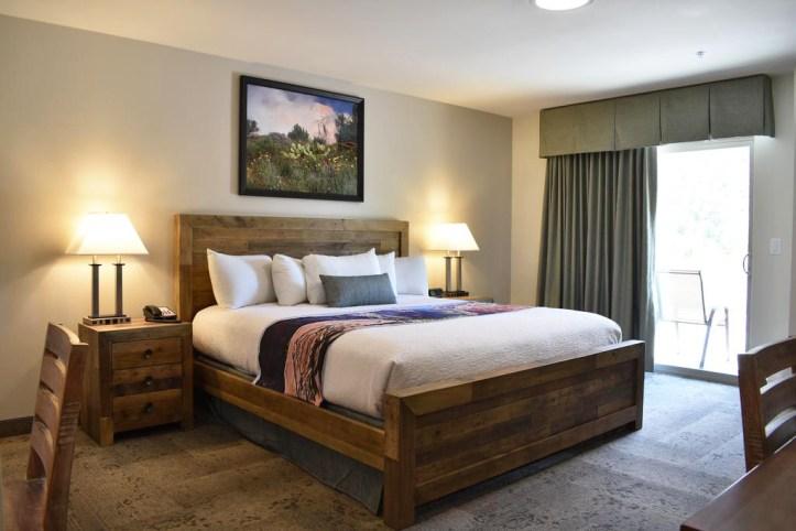 Bumbleberry Inn Room