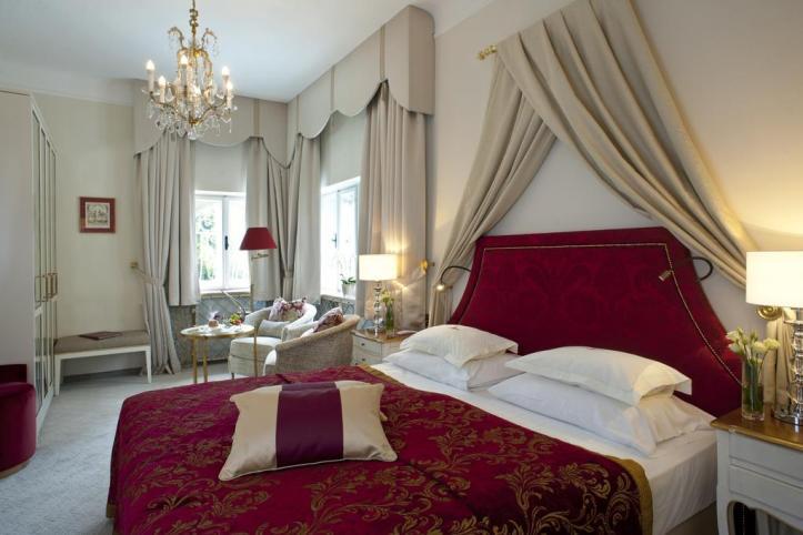Hotel Schloss Mönchstein Room