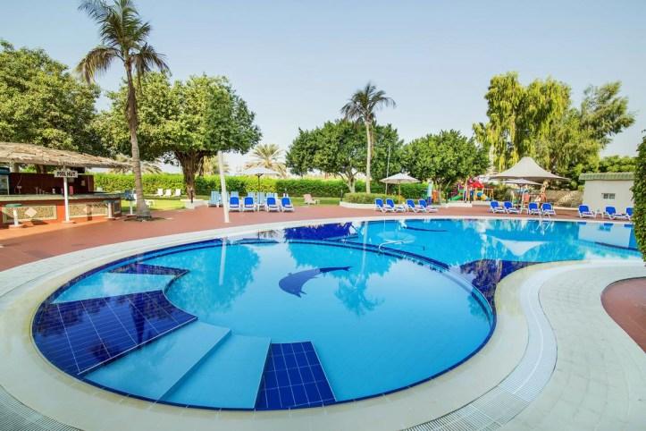 Hotel Holiday International Pool