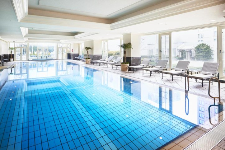 The Ritz-Carlton Osaka Pool