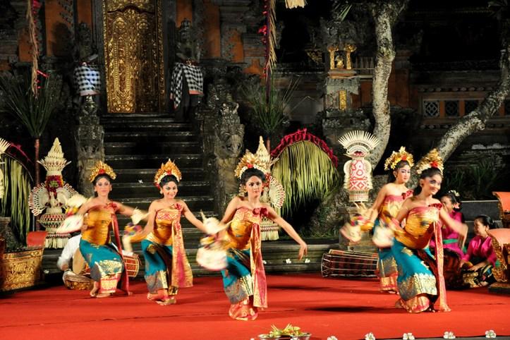 Pura Taman Saraswati Dance Show, Ubud