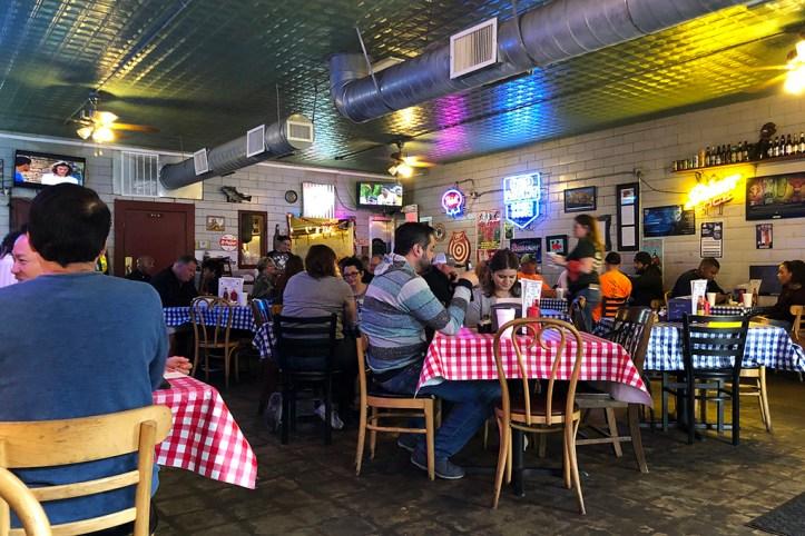 Gus's World Famous Chicken, Memphis