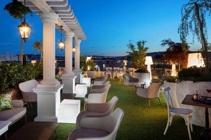 Mystery Hotel Budapest Bar Terrace