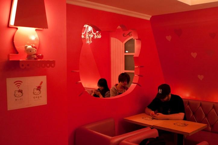 Hello Kitty Cafe Interior, Seoul