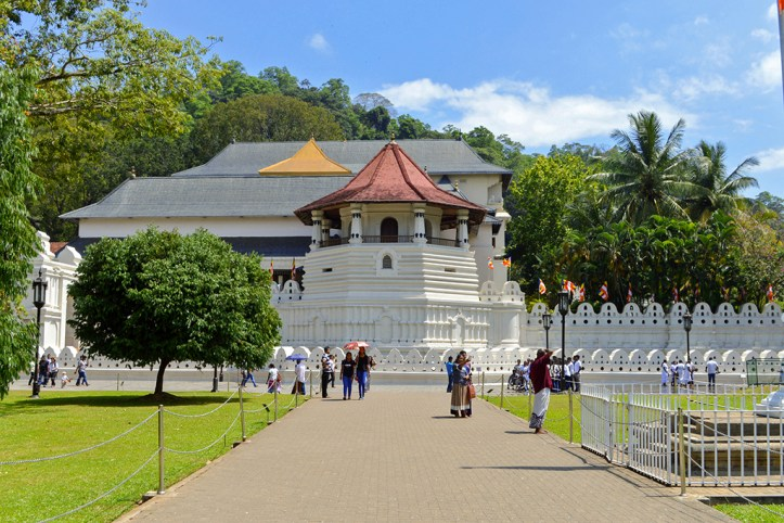 Temple of the Sacred Tooth, Kandy