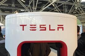 Tesla prepara un mega proyecto de almacenamiento de baterías de iones de litio