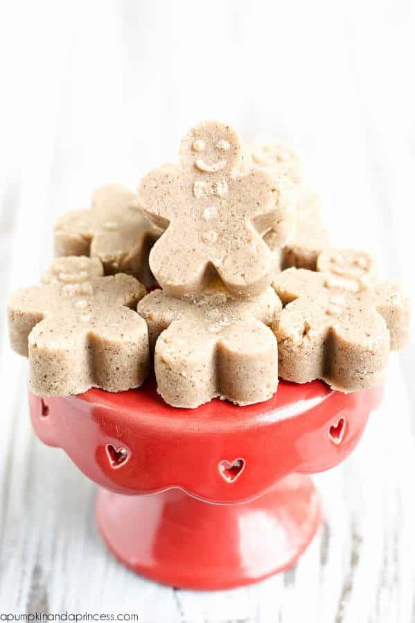 homemade gingerbread men sugar scubs made with essential oils