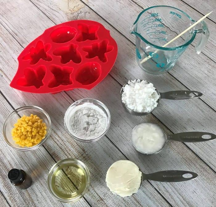 DIY Essential Oil Bug Repellent Lotion Bars -- all-natural and deet-free recipe to keep mosquitoes & ticks away. smell great & non-greasy