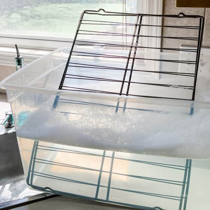 soaking oven racks in hot soapy water