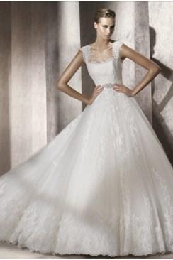 Baszk stílusú menyasszonyi ruha / Basque style wedding dress Forrás:http://www.brides-love.com