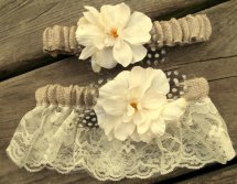 Esküvői harisnyakötő 10 , Bridal garter 10 Forrás:http://www.etsy.com