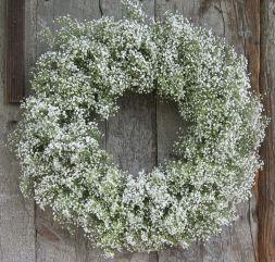 Fehér Fátyolvirág koszorú/Baby's Breath Wreath Forrás:http://firstcomeflowers.typepad.com