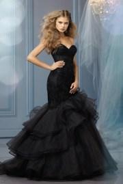 Fekete menyasszonyi ruha 10, Black Wedding Gown 10 Forrás:http://www.mynewhitmanwrites.com