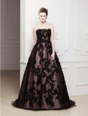 Fekete menyasszonyi ruha 9, Black Wedding Gown 9 Forrás:http://www.mynewhitmanwrites.com