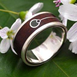 Gyűrű fából és újrahasznosított ezüstből 3 / Wood ring with recycled sterling silver 3 Forrás:http://www.etsy.com/shop/naturalezanica