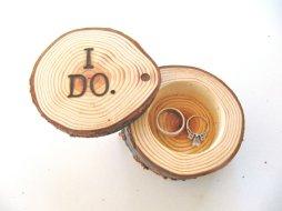 Wedding ring bearer pillow alternatives 8 Forrás:http://www.etsy.com