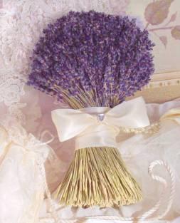 Levendula menyasszonyi csokor / Lavander brides bouquet Forrás:http://lavenderfanatic.com