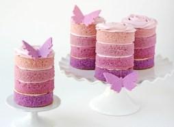 Lila Ombre minitorta/ Purple Ombre mini cakes Forrás:http://www.glorioustreats.com