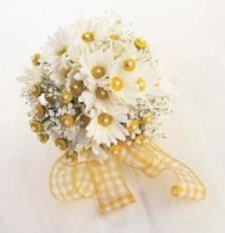 Margaréta menyasszonyi csokor / Daisy Bridal Bouquet Forrás:http://www.flower-arrangement-advisor.com