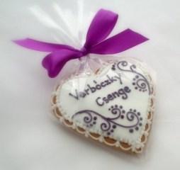 Mézeskalács ültetőkártya / Gingerbread seating card Forrás:http://mezeskalacskoszonetajandek.hu