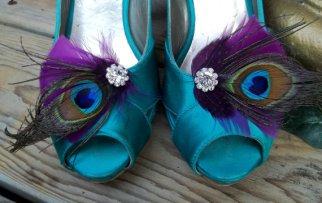 Pávatollas cipőklipsz 2, Peacock Shoe clips 2 Forrás:http://www.etsy.com