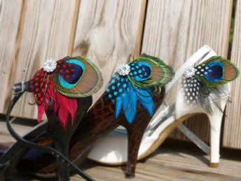 Pávatollas cipőklipsz, Peacock Shoe clips Forrás:http://www.etsy.com