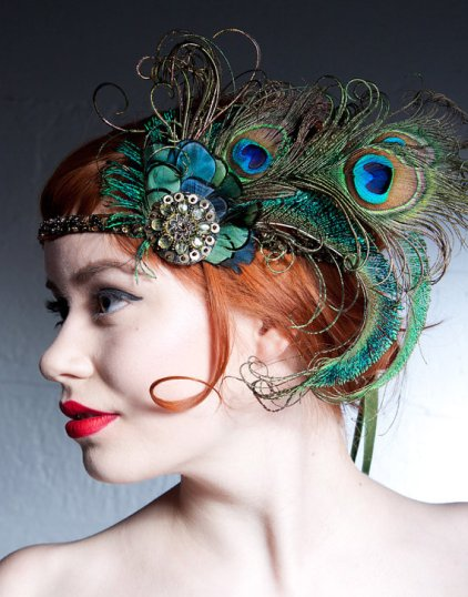 Pávatollas hajpánt, Peacock bridal headband Forrás:http://www.etsy.com