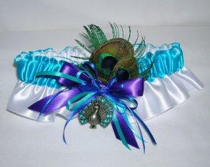 Pávatollas harisnyakötő, Peacock wedding garter Forrás:http://www.etsy.com