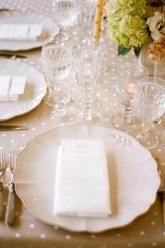 Pöttyös esküvői dekoráció /Polka-dots wedding decoration Forrás:http://www.stylemepretty.com