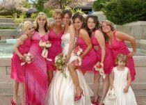 Rózsaszín koszorúslányruha/ Pink bridesmaid's dress Forrás:http://setab.hubpages.com