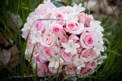 Rózsaszín menyasszonyi csokor/Pink bridal bouquet Forrás:www.perfect-wedding-day.com