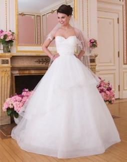 Sweetheart menyasszonyi ruha /Sweetheart bridal dress style 6033 Forrás:http://www.sweetheartgowns.com