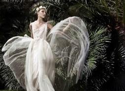 Victoria Kyriakides 2014 menyasszonyi ruha 2 / Victoria Kyriakides 2014 bridal dress 2 Forrás:http://www.victoriakyriakides.co.uk