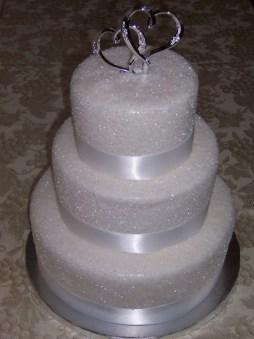 Csillogó menyasszonyi torta 2 , Glitter wedding cake 2 Forrás:http://www.weddingwire.com/