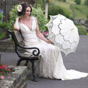 Csipke napernyő menyassszonyoknak , Bridal lace sun umbrella Forrás:www.etsy.com