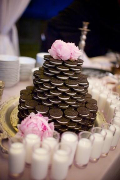 Oreokeksz menyasszonyi torta , Oreocake wedding cake Forrás:www.caplanmiller.com