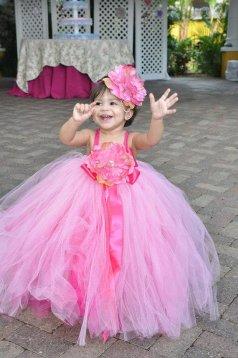 Rózsaszín tütü virágszirom szóró lányka ruha 2,Pink tutu flower girl dress 2 Forrás:http://www.etsy.com/