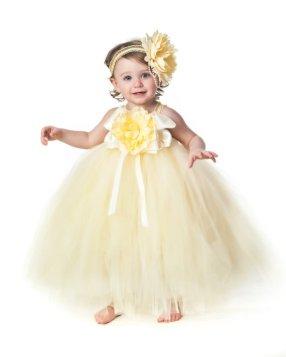 Sárga tütü virágszirom szóró lányka ruha ,Yellow tutu flower girl dress Forrás:http://www.etsy.com/