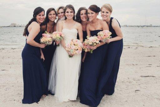 Tengerészkék koszorúslány ruha, Navy blue bridesmaid dress Forrás:http://www.etsy.com/