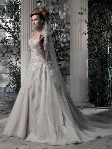 Ian Stuart Frill Me Collection Everdina 2 Forrás:http://www.ianstuart-bride.com/