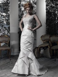 Ian Stuart Frill Me Collection Iman Forrás:http://www.ianstuart-bride.com/